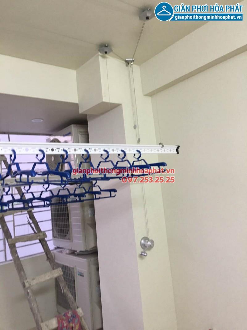 Cận cảnh kỹ thuật lắp đặt giàn phơi thông minh nhà chị Trang 03