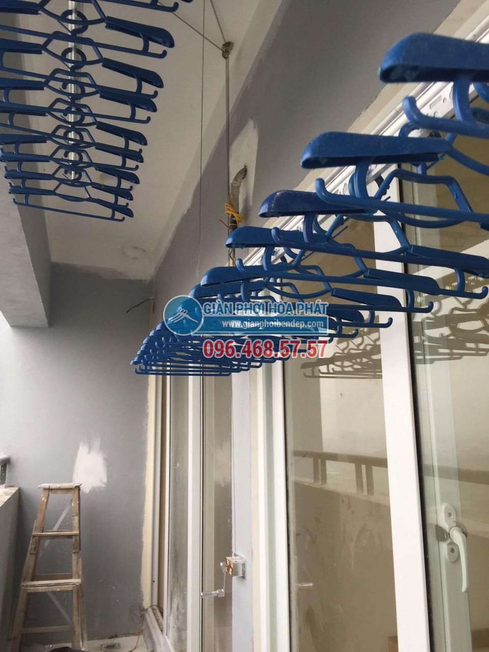 Hình ảnh lắp đặt thực tế của giàn phơi thông minh Hòa Phát Star HP999B