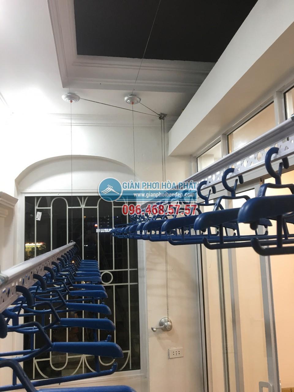 Hình ảnh lắp đặt thực tế của bộ giàn phơi thông minh Hòa Phát Star HP950 - 02