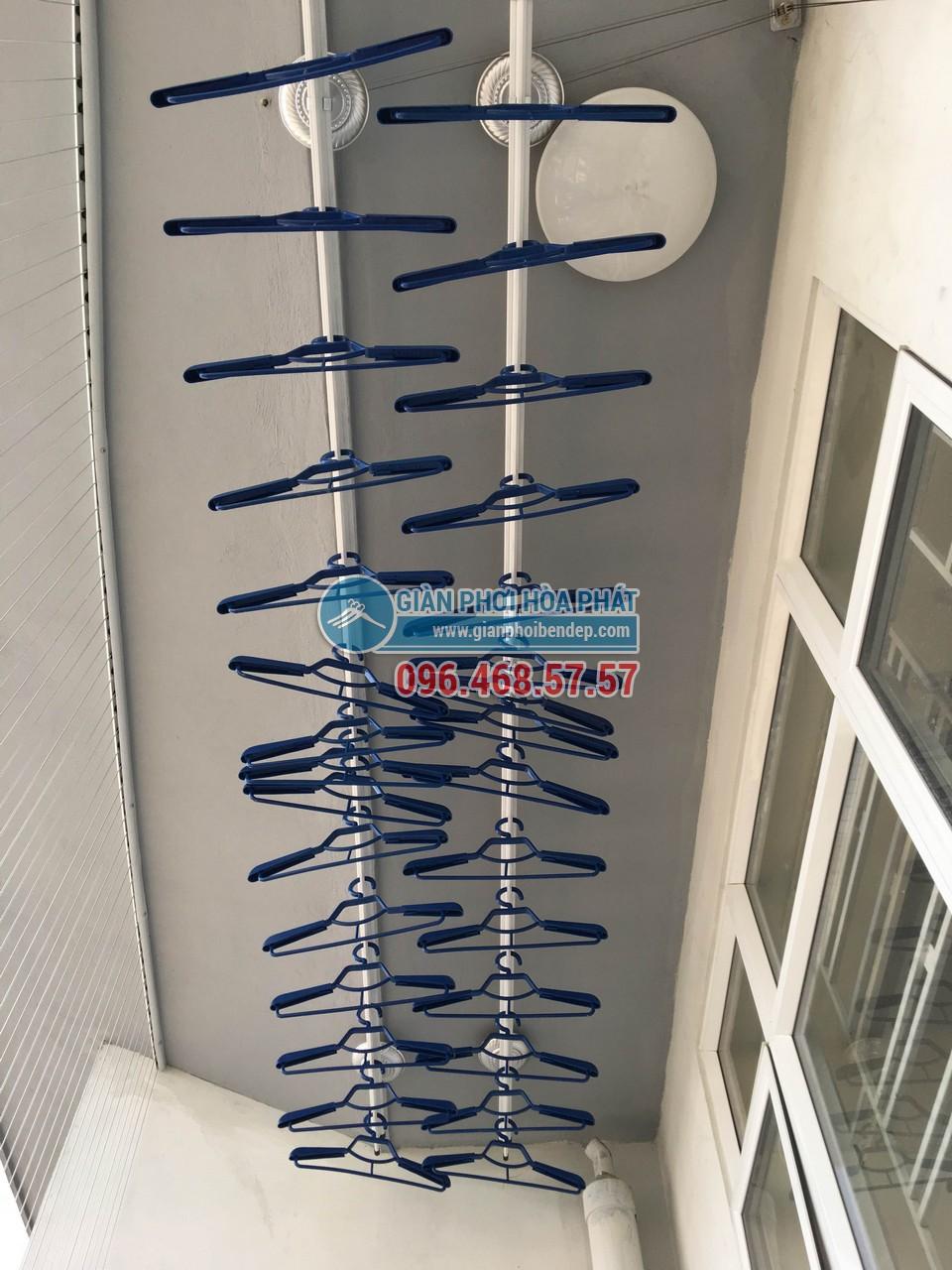 Kỹ thuật lắp đặt giàn phơi thông minh Hòa Phát ở trần bê tông - 02