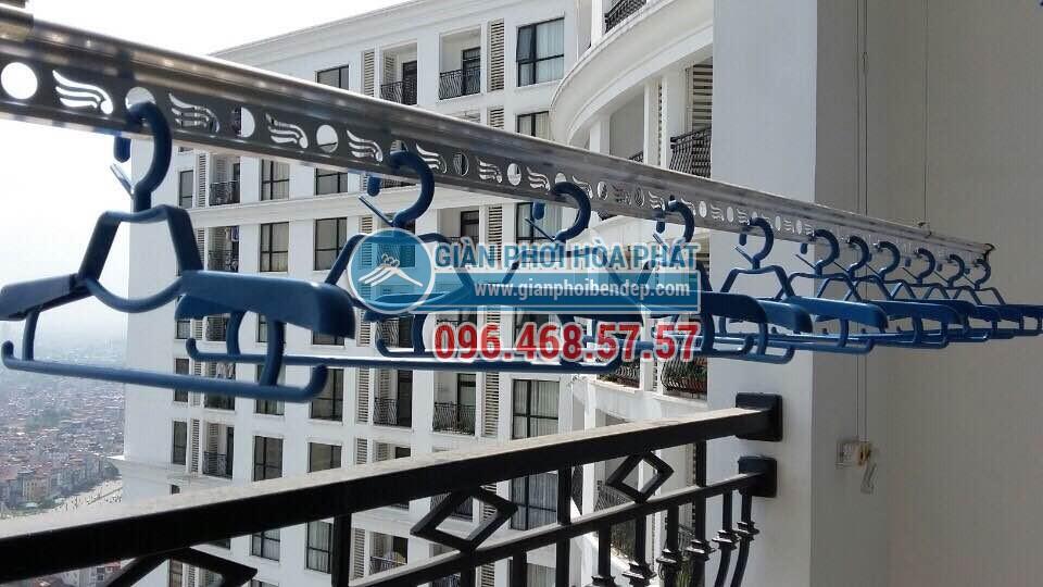 Nhà chung cư đẹp ngây ngất nhờ lắp đặt giàn phơi thông minh - 02