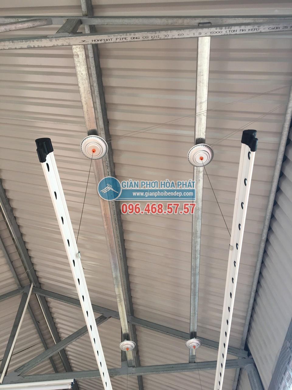 Giải pháp lắp đặt giàn phơi thông minh cho trần mái tôn - 03