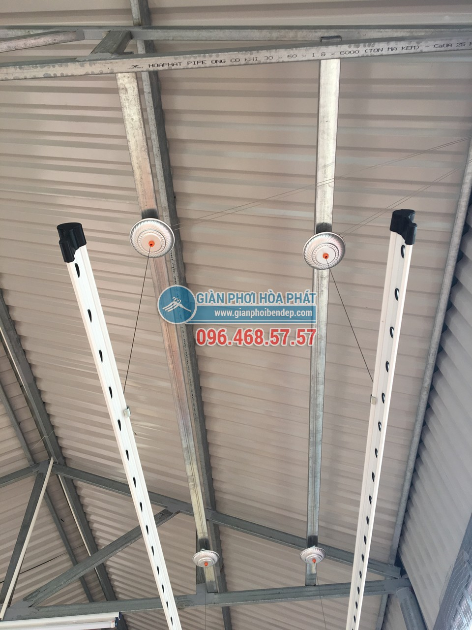 Hoàn thiện lắp đặt 2 bộ giàn phơi thông minh nhà chị Lam, ngõ 24 Kim Đồng - 03