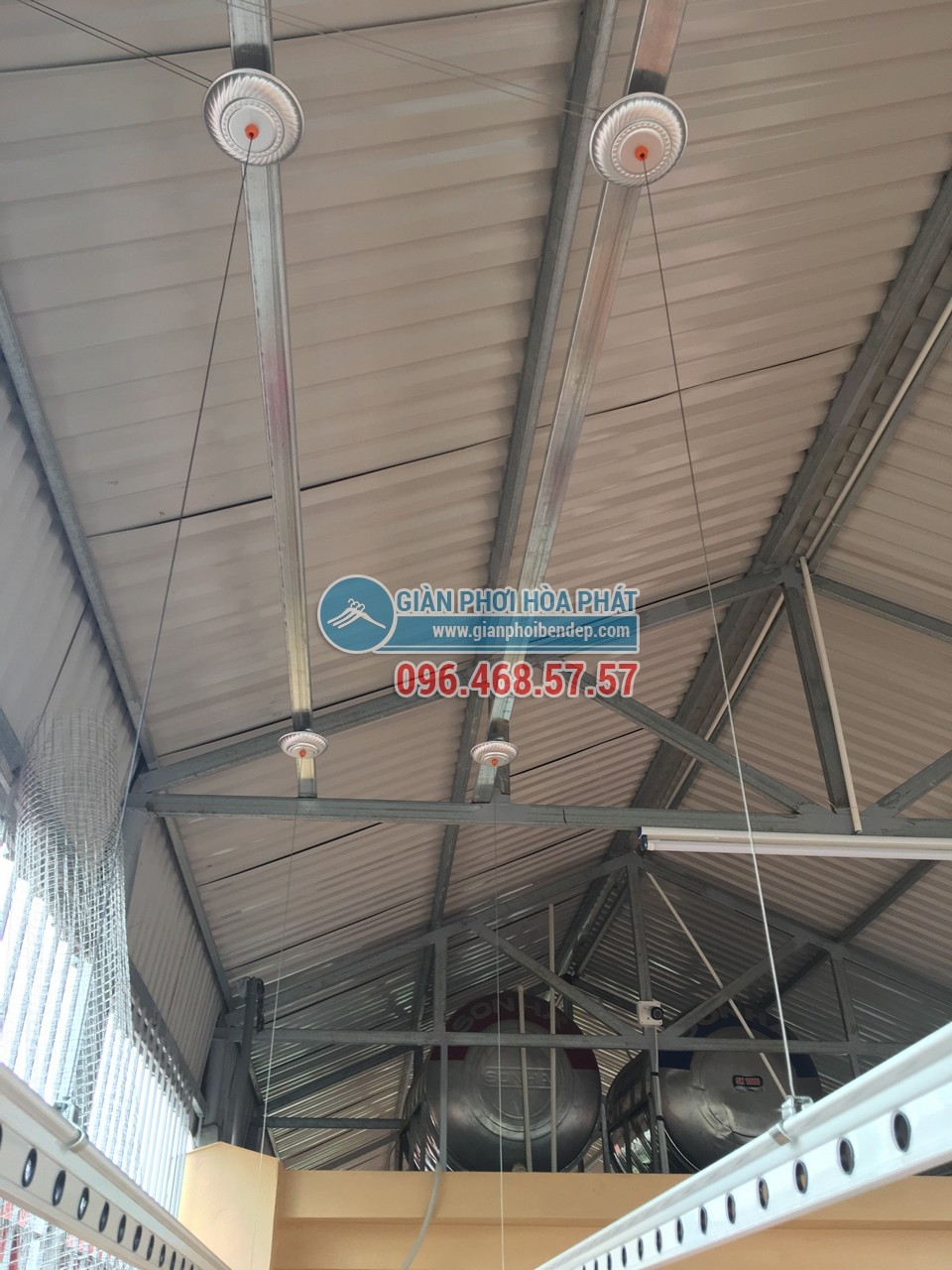 Hoàn thiện lắp đặt 2 bộ giàn phơi thông minh nhà chị Lam, ngõ 24 Kim Đồng - 04