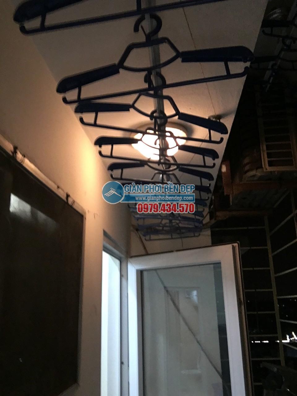 Hoàn thiện lắp đặt giàn phơi thông minh nhà cô Liên, chung cư CT5 Định Công - 03
