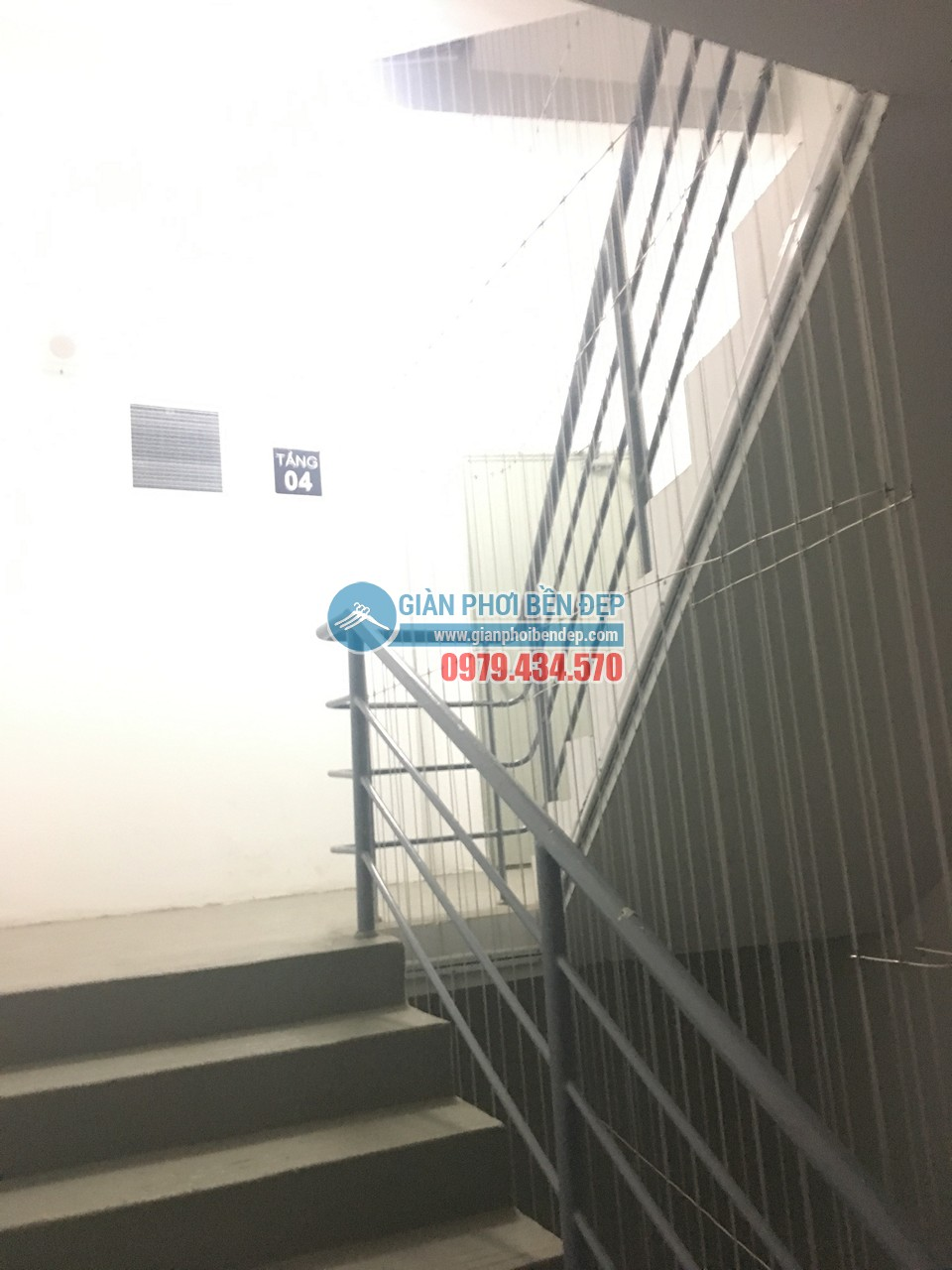 Hoàn thiện lắp đặt lưới an toàn cho cầu thang bộ tòa CT8A Dương Nội, Hà Đông - 03