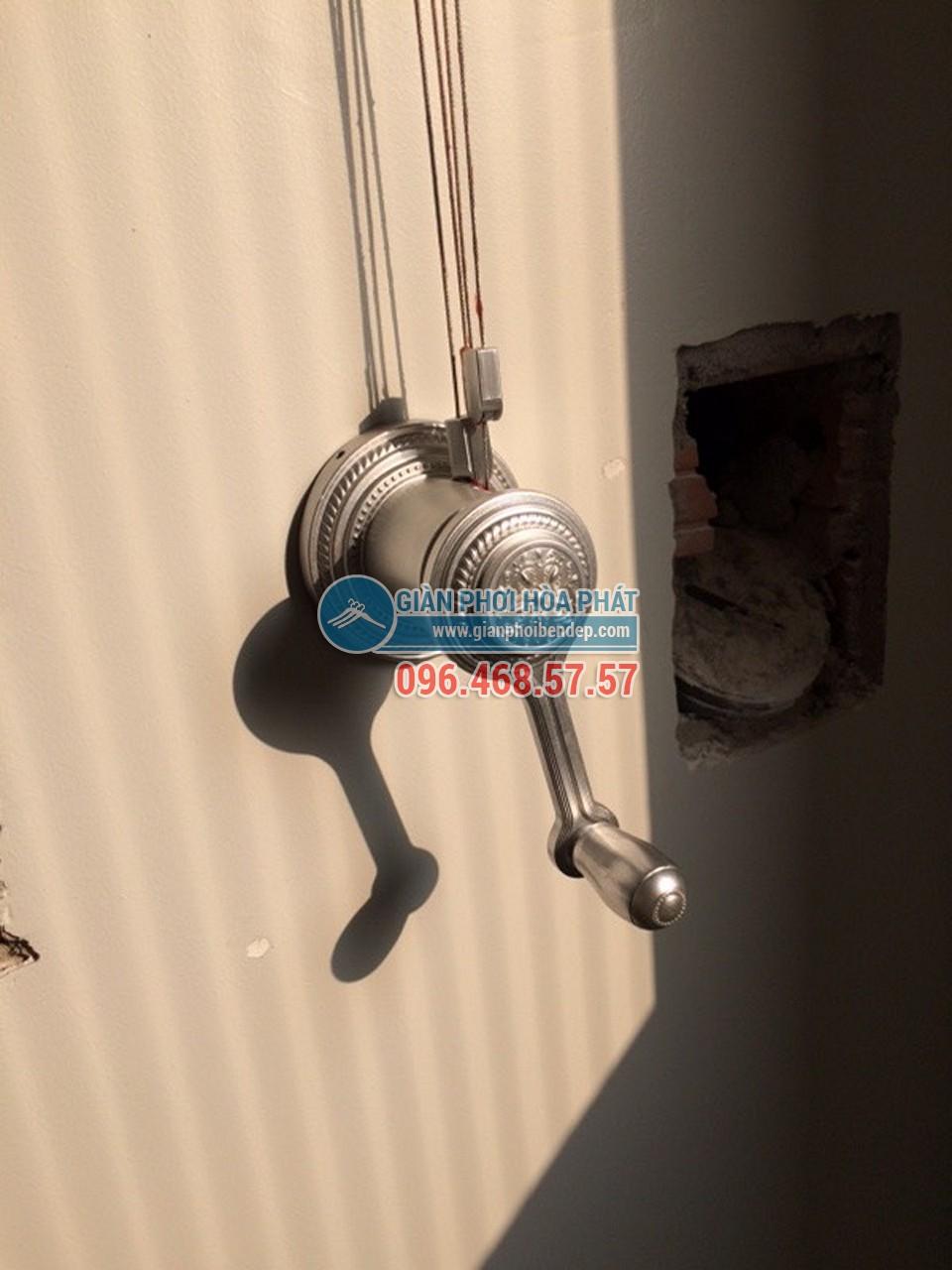 Lắp đặt giàn phơi thông minh cho ban công chung cư nhà chị Hà, tòa Linh Đàm HH2 - 01