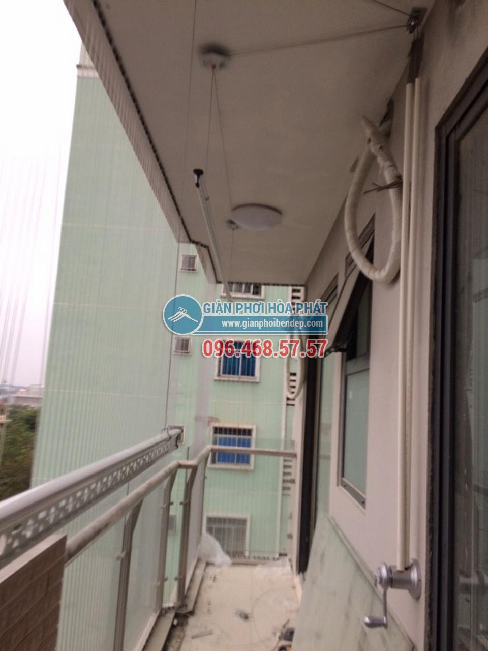 Lắp đặt giàn phơi thông minh cho ban công dài hẹp nhà anh Nam, tòa HH4 Linh Đàm - 02