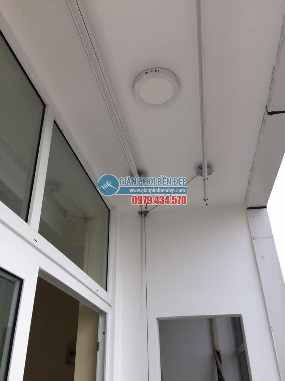Hoàn thiện lắp đặt giàn phơi thông minh tại ban công nhà chị Hương, KĐT Văn Quán