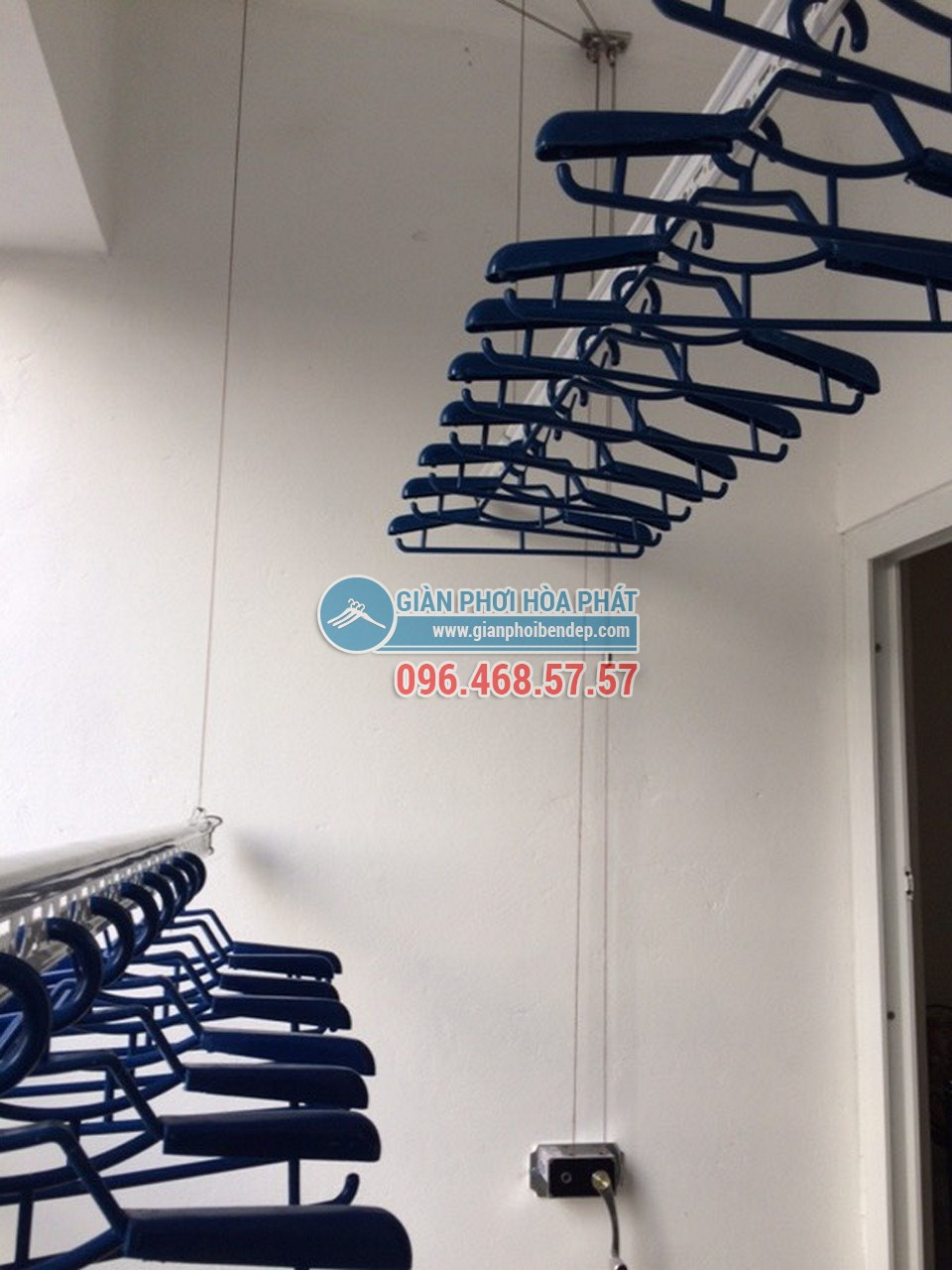 Lắp đặt giàn phơi thông minh tại ban công nhà chị Thảo, AZ Sky Tower Định Công - 04