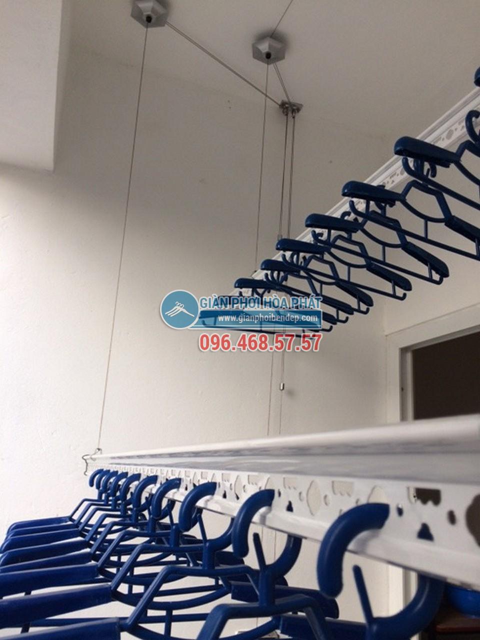 Lắp đặt giàn phơi thông minh tại ban công nhà chị Thảo, AZ Sky Tower Định Công