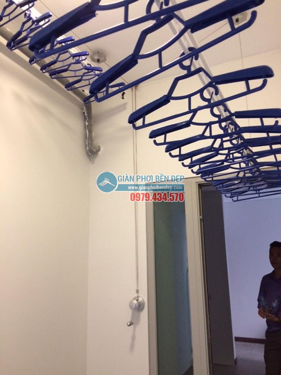 Lắp đặt giàn phơi thông minh tại lô gia nhà chị Hòa, Taseco Complex Ngoại Giao Đoàn - 04