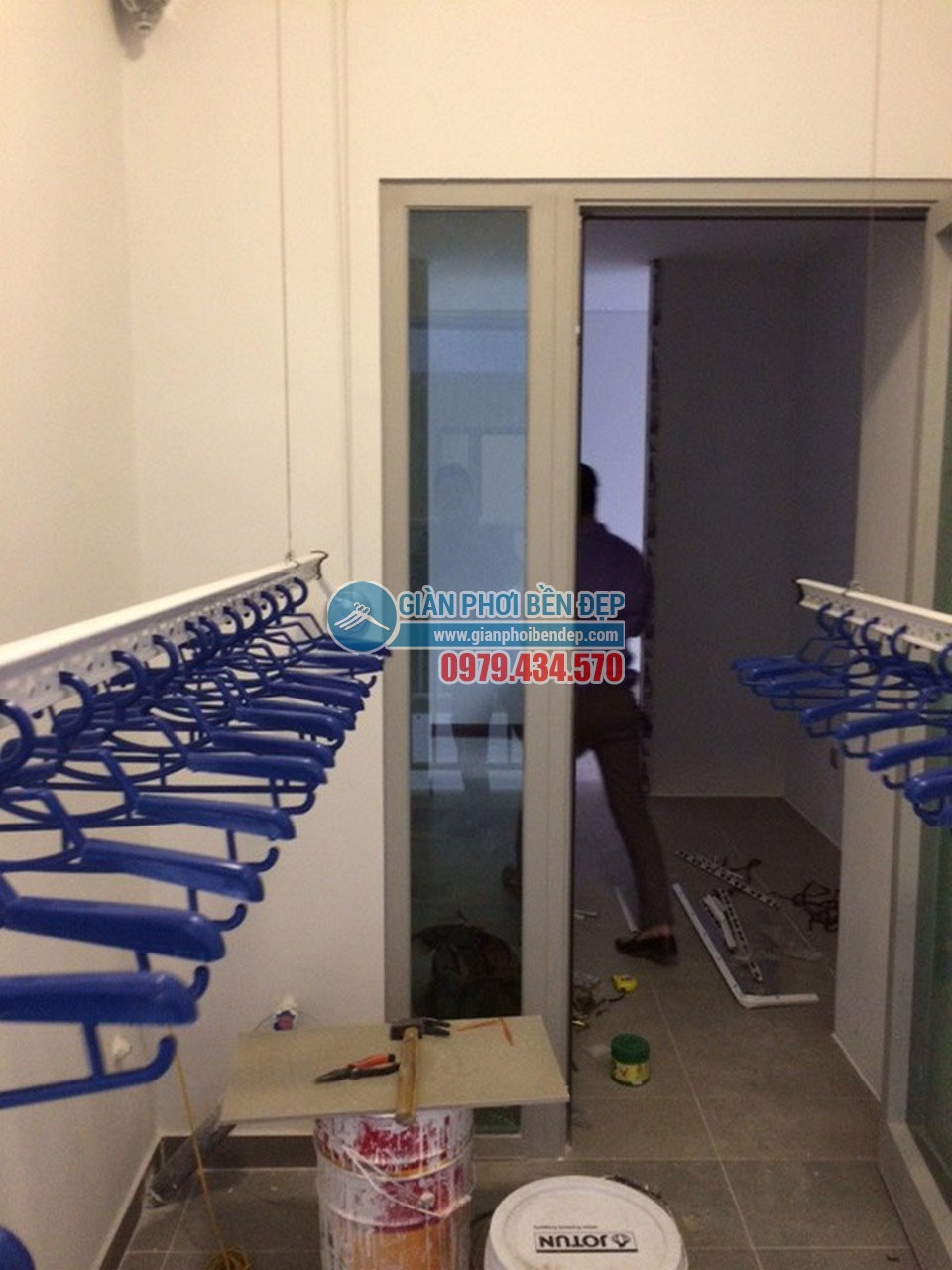 Lắp đặt giàn phơi thông minh tại lô gia nhà chị Hòa, Taseco Complex Ngoại Giao Đoàn - 06