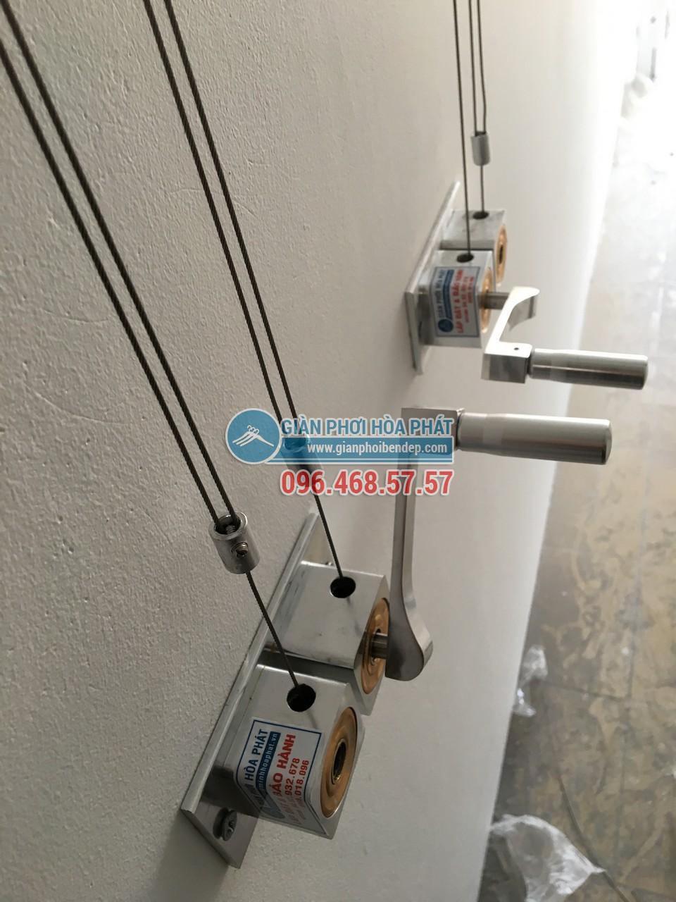 Lô gia dài hẹp thêm tiện ích nhờ lắp đặt giàn phơi thông minh nhà chị Hòa, Golden West - 01