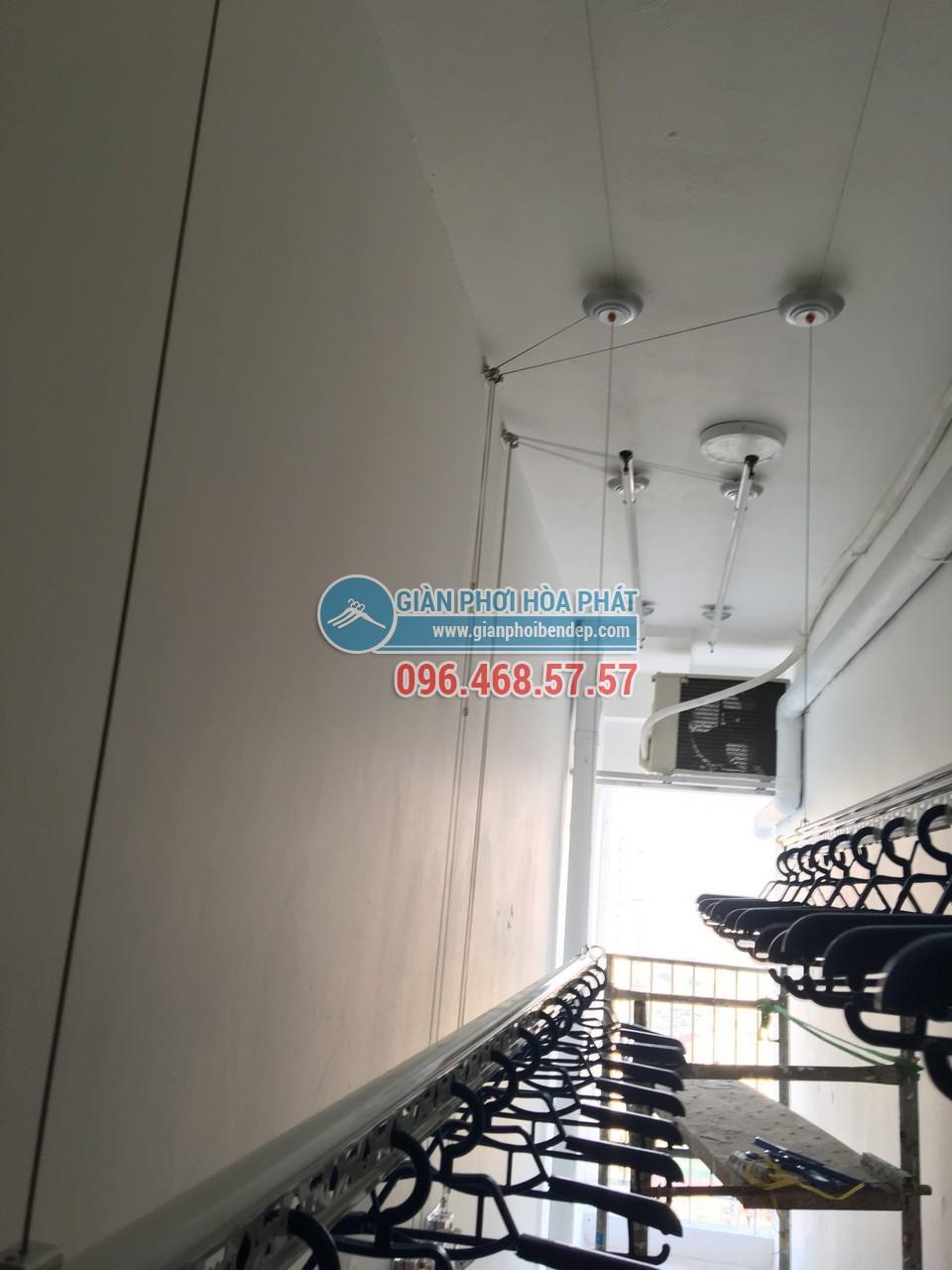 Lô gia dài hẹp thêm tiện ích nhờ lắp đặt giàn phơi thông minh nhà chị Hòa, Golden West - 03