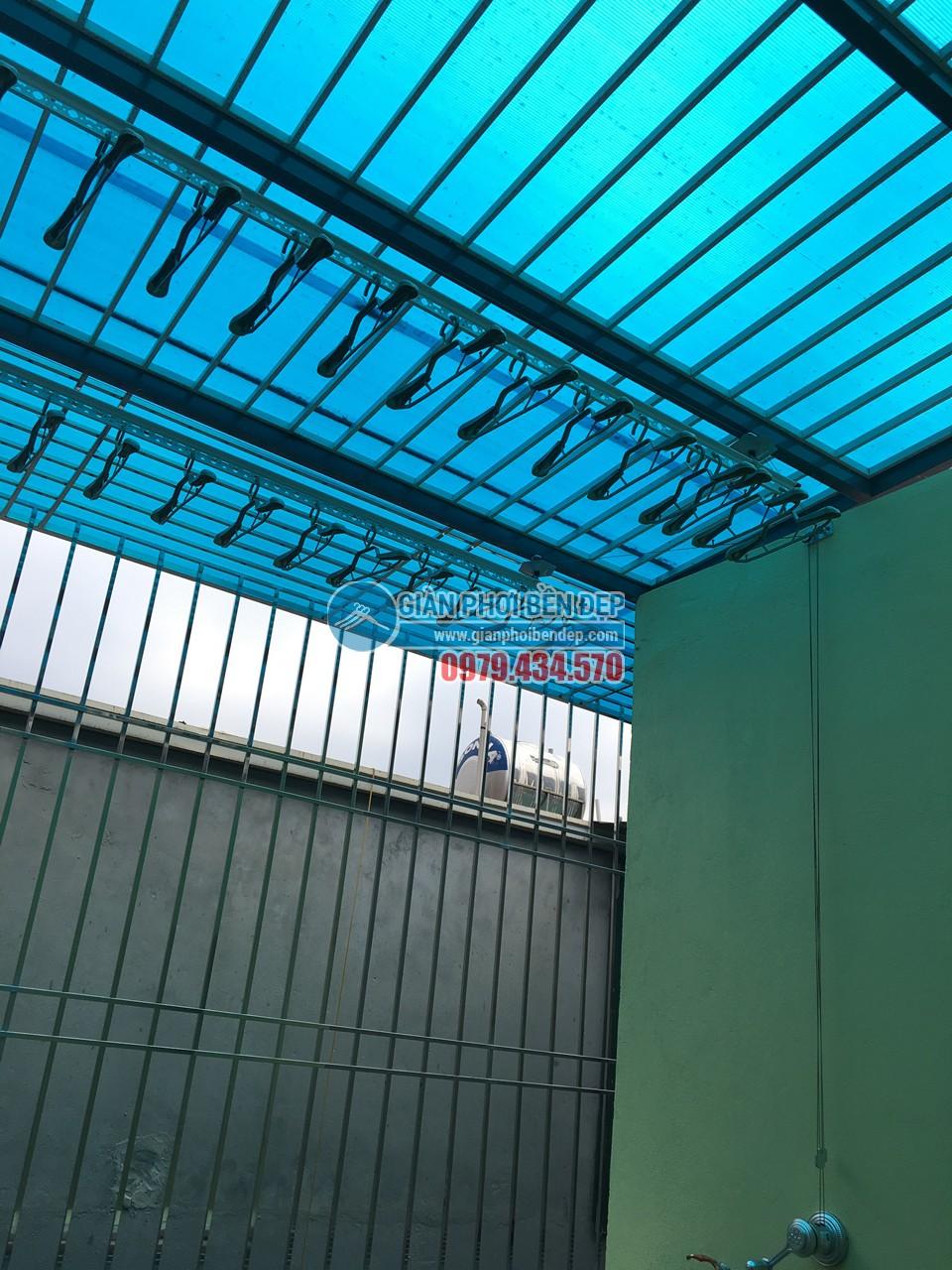 Loạt ảnh cận cảnh về sự thay đổi của sân phơi với giàn phơi thông minh nhà chị Mai, KĐT Mỗ Lao - 03