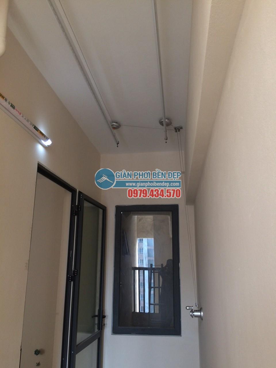Ngắm lô gia gọn gàng nhờ lắp đặt giàn phơi thông minh nhà cô Tâm, HH2 Dương Nội - 02