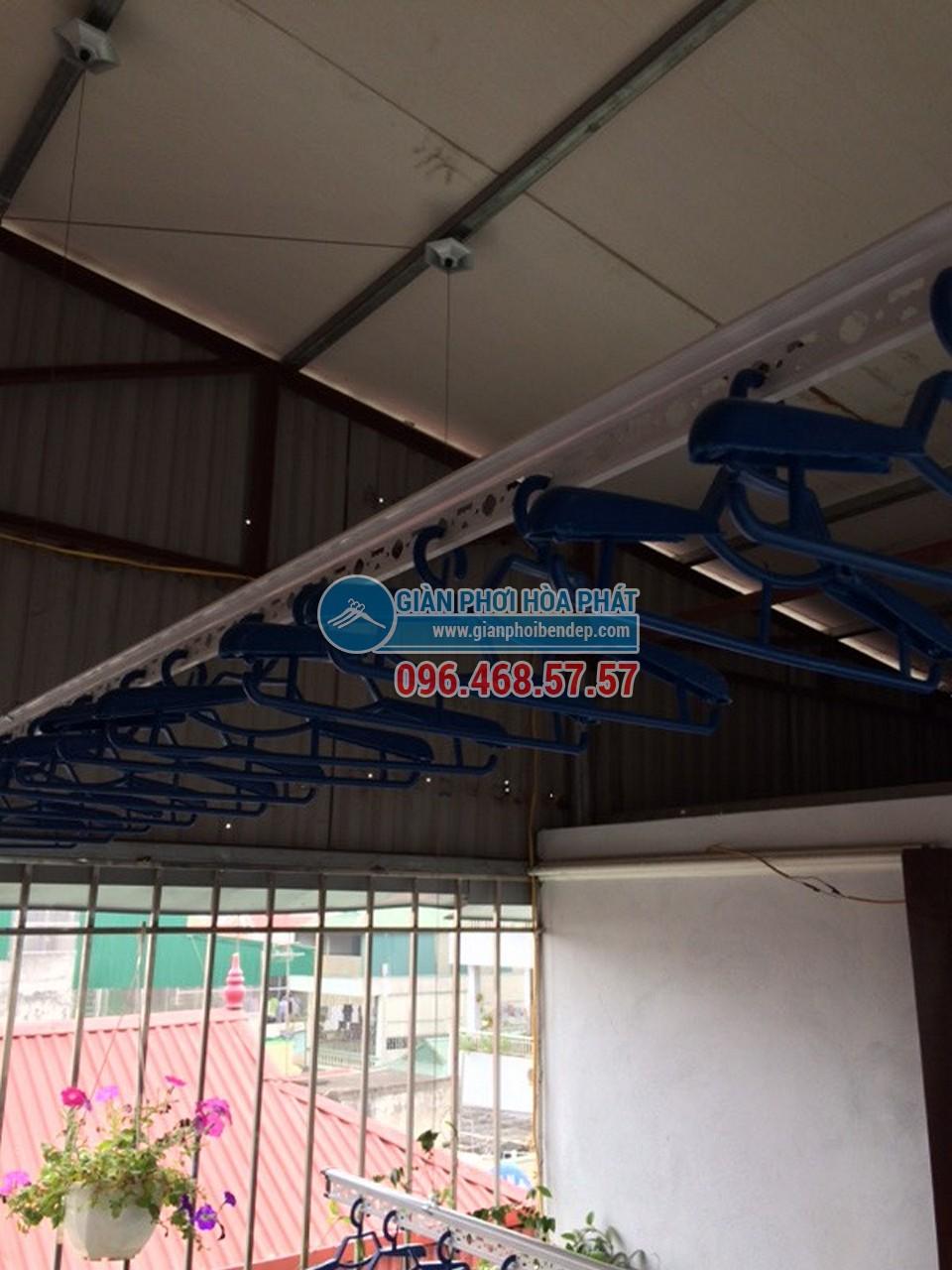 Sân phơi đẹp hiện đại nhờ lắp đặt giàn phơi thông minh nhà chị Hiền, ngõ 103 Thanh Nhàn - 04
