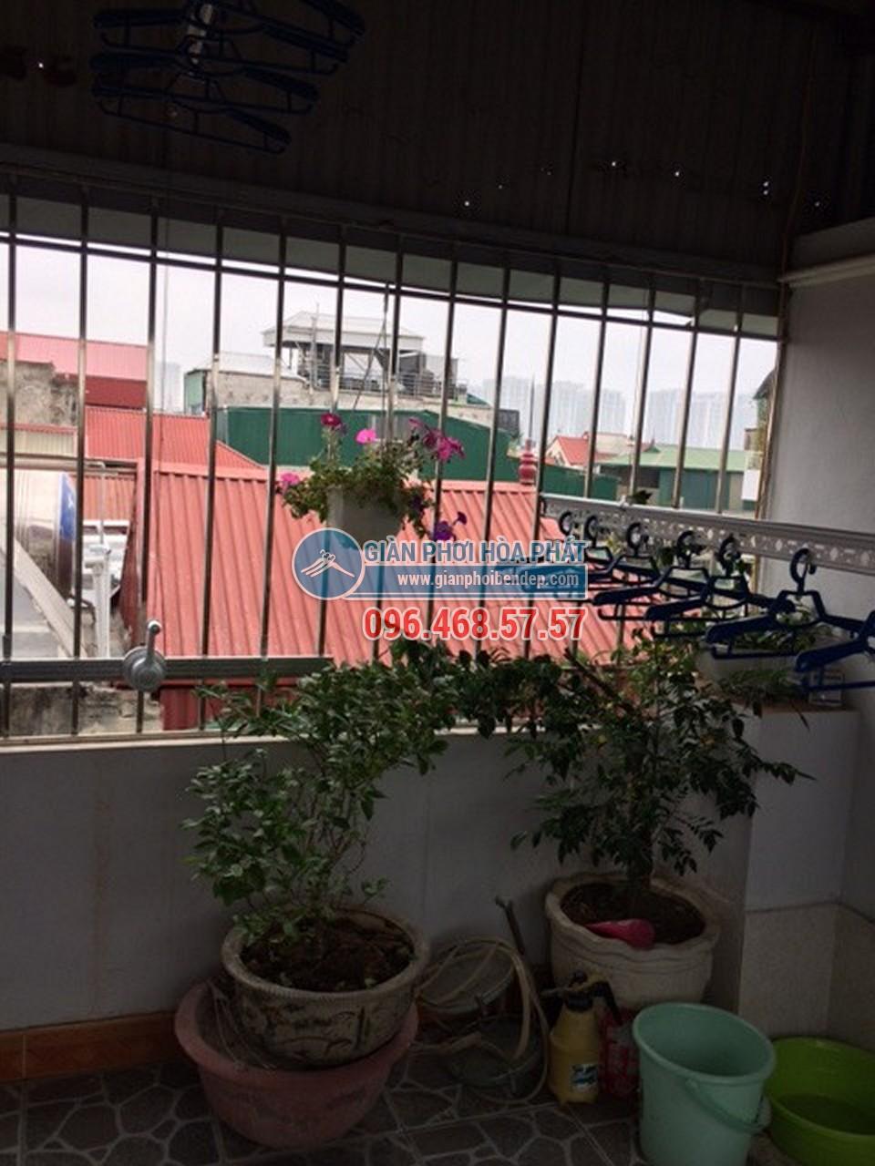 Sân phơi đẹp hiện đại nhờ lắp đặt giàn phơi thông minh nhà chị Hiền, ngõ 103 Thanh Nhàn - 05