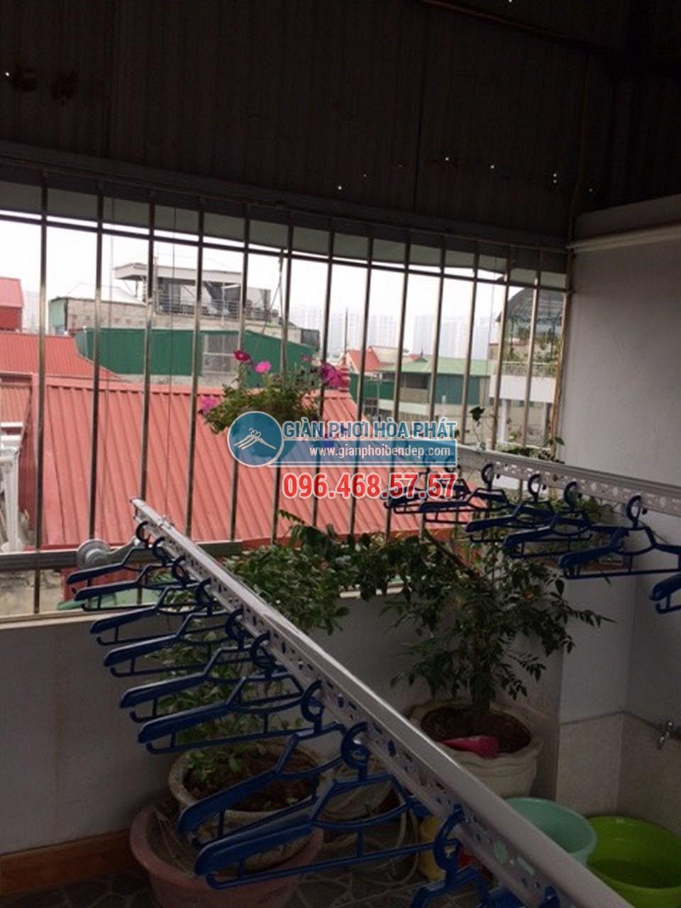 Sân phơi đẹp hiện đại nhờ lắp đặt giàn phơi thông minh nhà chị Hiền, ngõ 103 Thanh Nhàn - 07