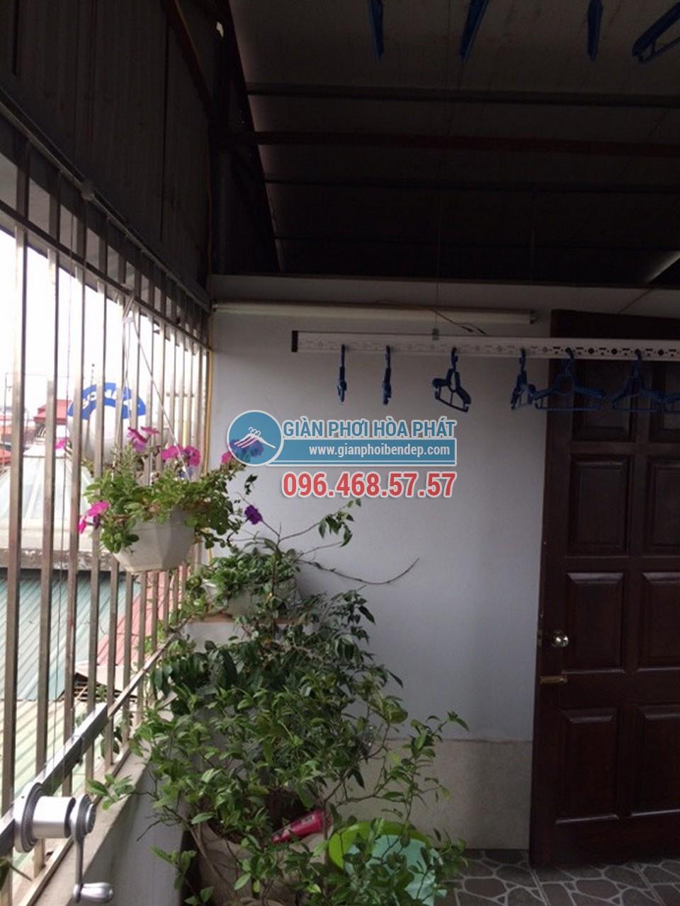 Sân phơi đẹp hiện đại nhờ lắp đặt giàn phơi thông minh nhà chị Hiền, ngõ 103 Thanh Nhàn - 06