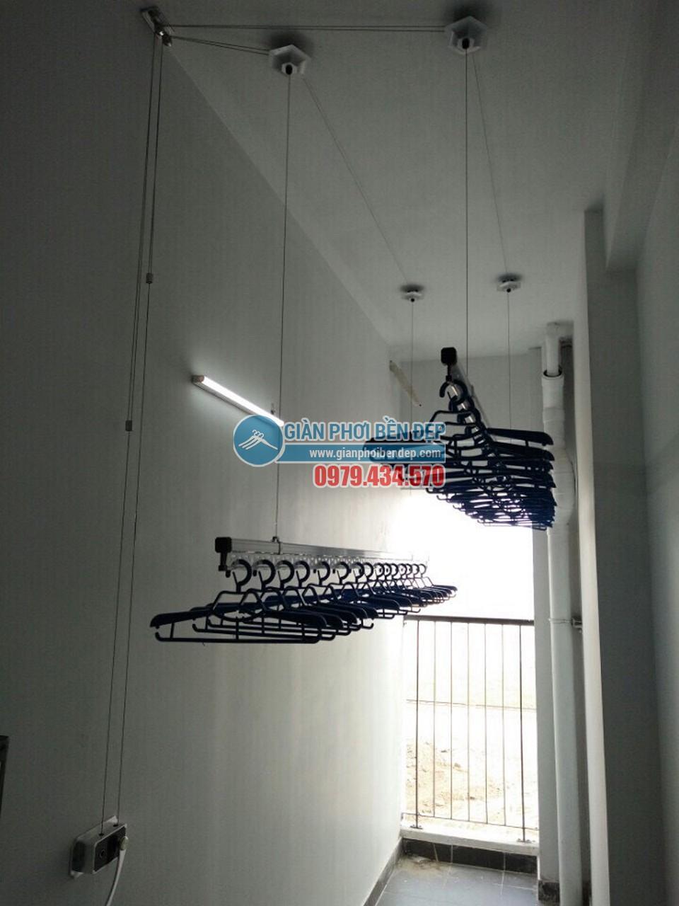Tăng tiện ích khoảng lô gia với giàn phơi thông minh như nhà chị Hồng, HH2 Dương Nội - 05