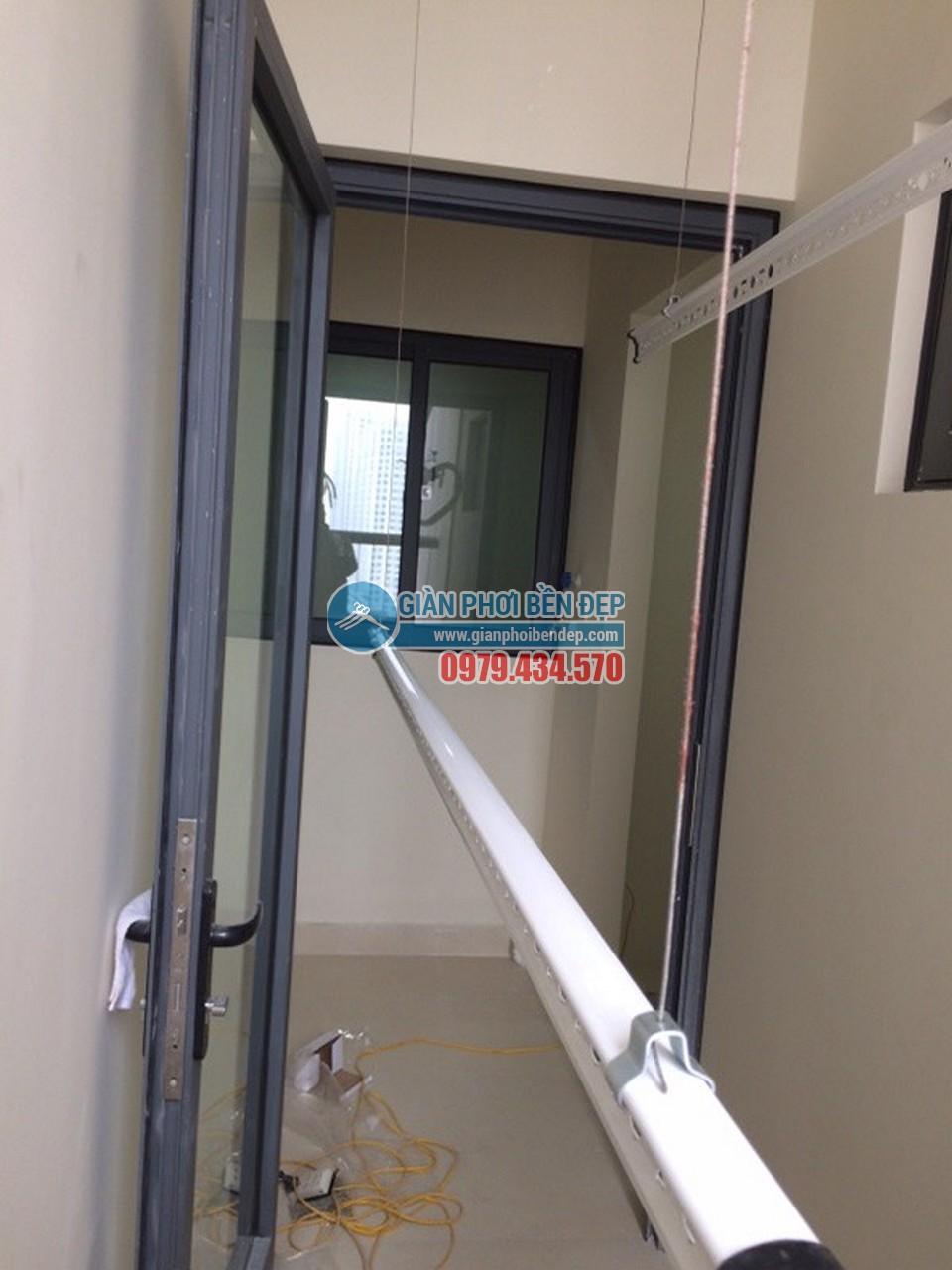 Hoàn thiện lắp đặt giàn phơi thông minh nhà chị Tâm, chung cư 75 Tam Trinh - 04
