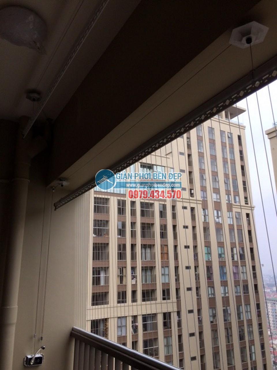 Hoàn thiện lắp đặt giàn phơi thông minh tại ban công nhà chị Mai, Home City - 04