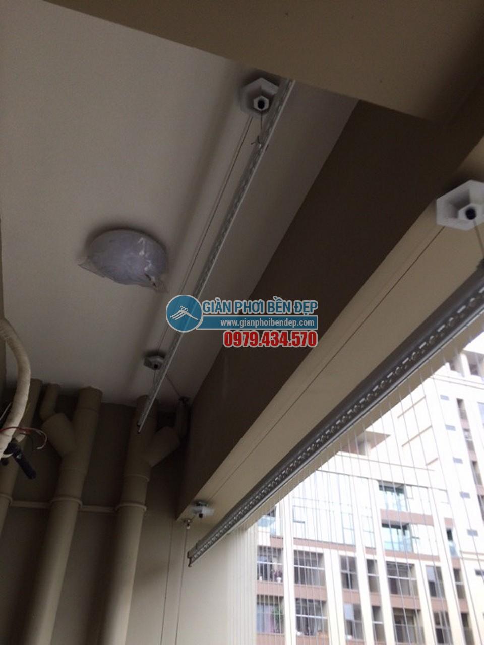 Hoàn thiện lắp đặt giàn phơi thông minh tại ban công nhà chị Mai, Home City - 03