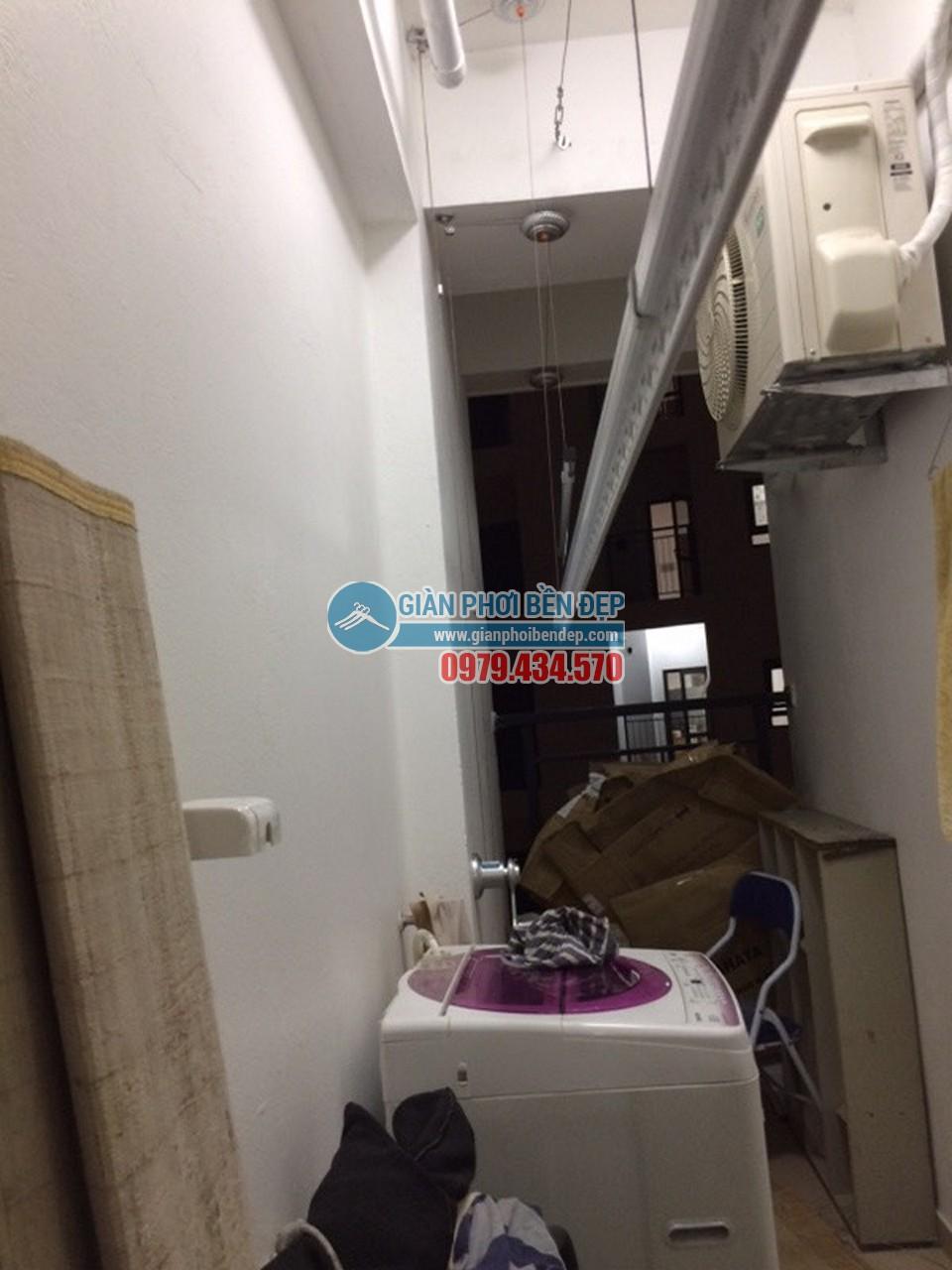 Lô gia chặt hẹp thay đổi nhờ lắp đặt giàn phơi thông minh nhà cô Lĩnh, Hateco Hoàng Mai - 06