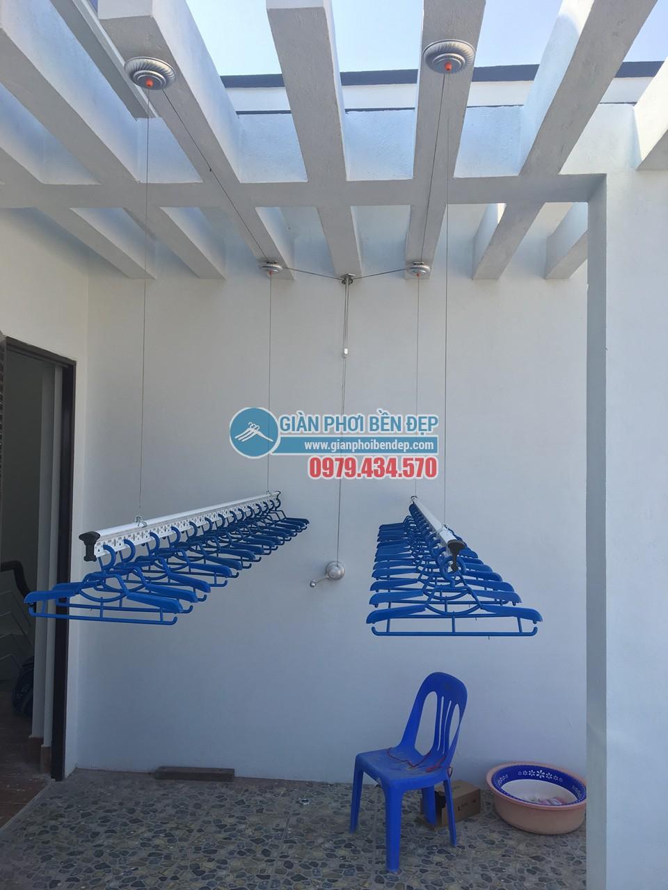 Ngó không gian phơi đẹp hiện đại với giàn phơi thông minh nhà chị Đào, Hà Đông - 05