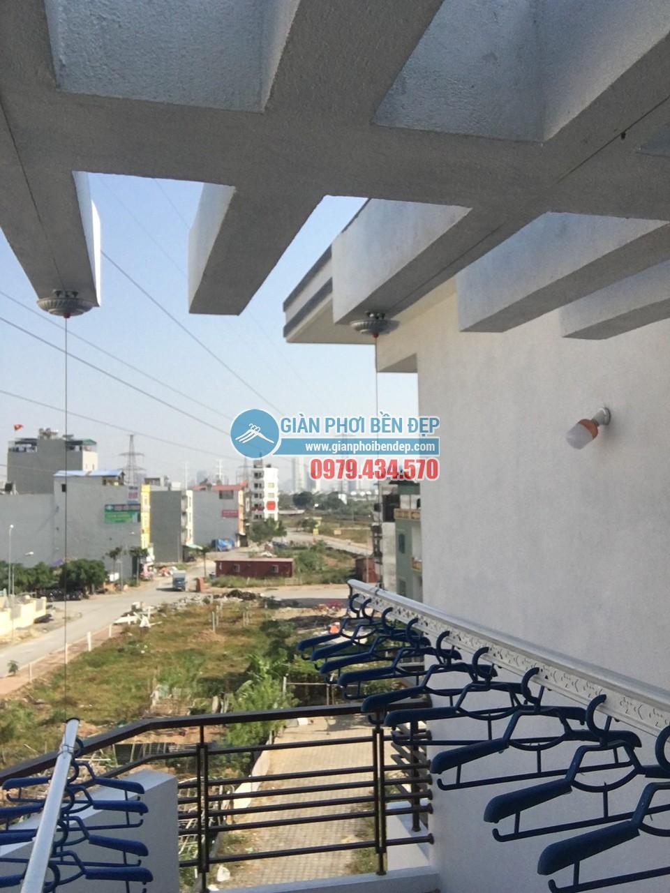 Ngó không gian phơi đẹp hiện đại với giàn phơi thông minh nhà chị Đào, Hà Đông