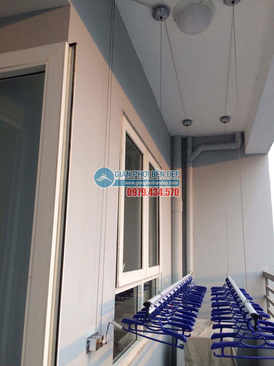 Ngắm ban công đẹp hiện đại nhà chị Thanh, chung cư A14A1 Nam Trung Yên - 05