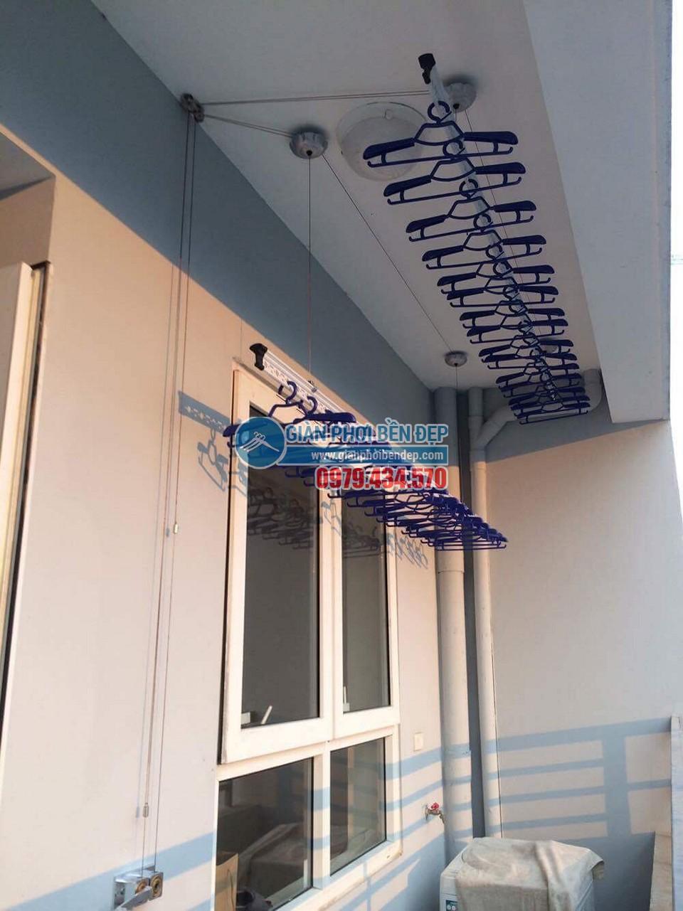 Ngắm ban công đẹp hiện đại nhà chị Thanh, chung cư A14A1 Nam Trung Yên - 01