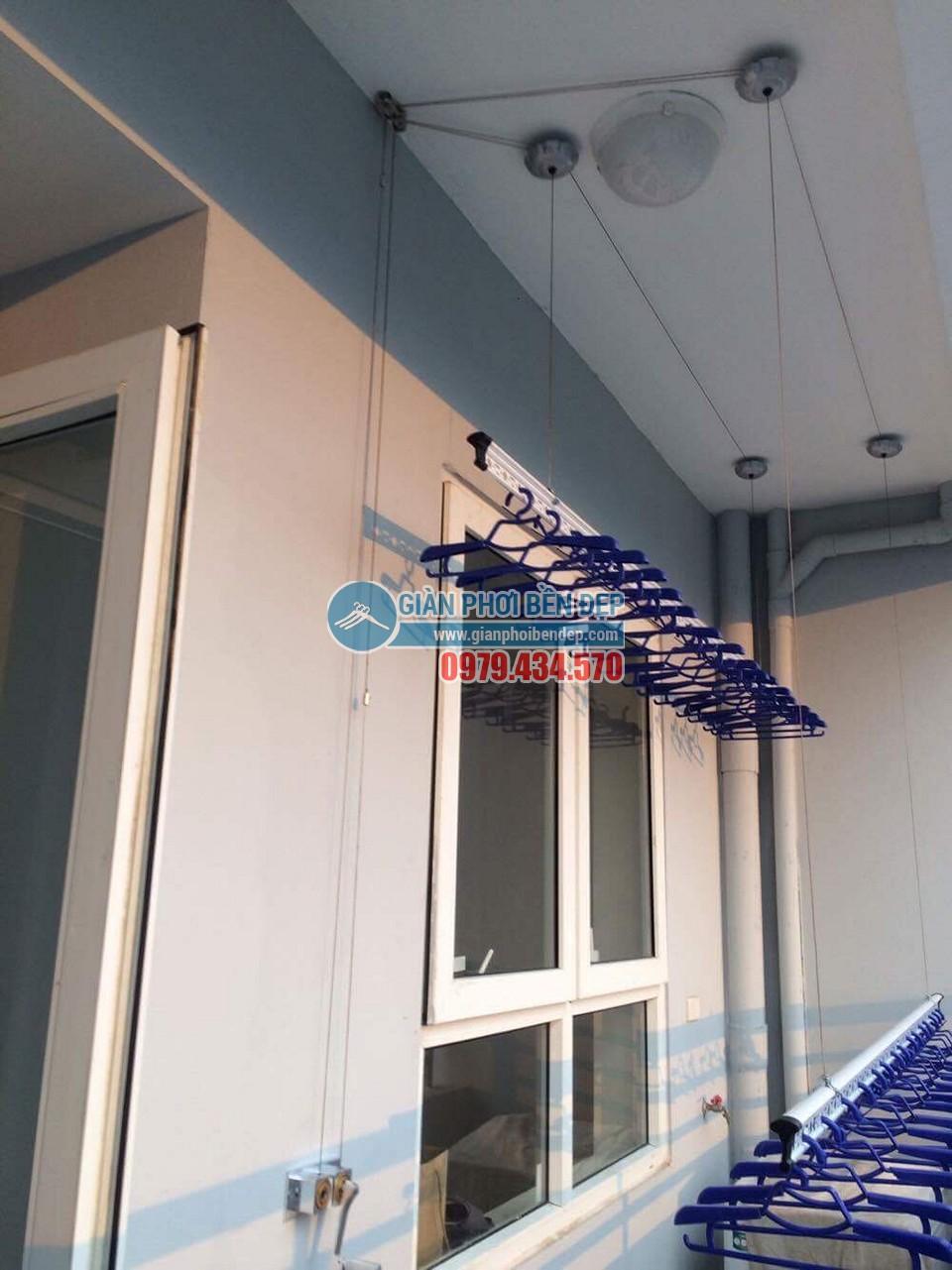 Ngắm ban công đẹp hiện đại nhà chị Thanh, chung cư A14A1 Nam Trung Yên - 02