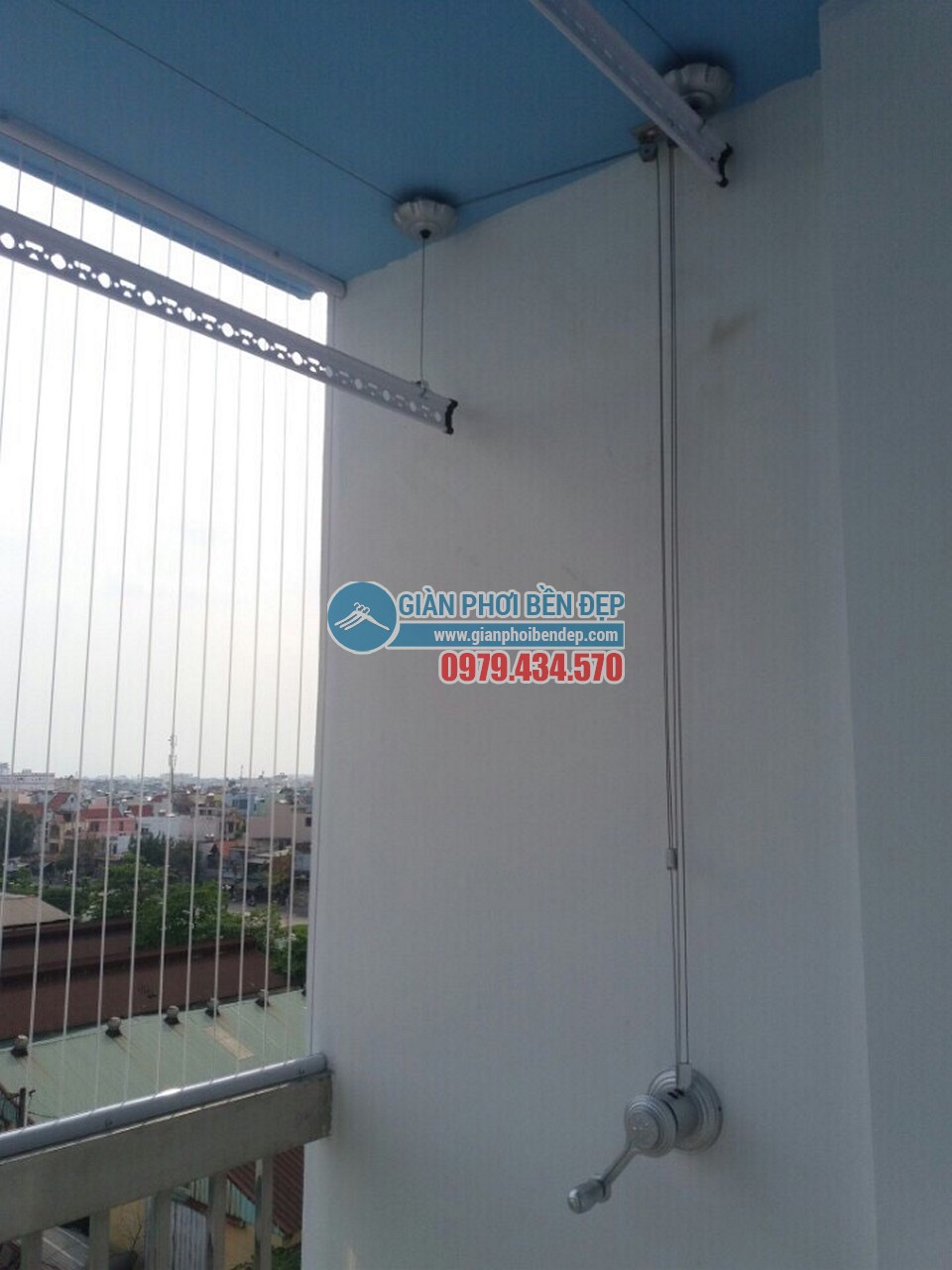 Lắp giàn phơi thông minh, và lưới an toàn ban công nhà anh Thành, TP Hồ Chí Minh