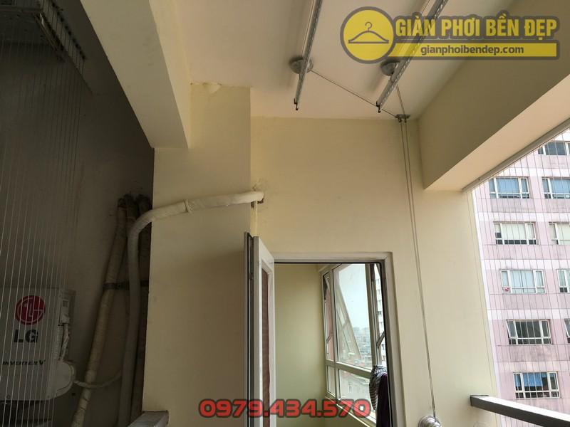 Lắp giàn phơi kết hợp lưới an toàn ban công nhà anh Hoàng KĐT Làng Quốc Tế Thăng Long-03