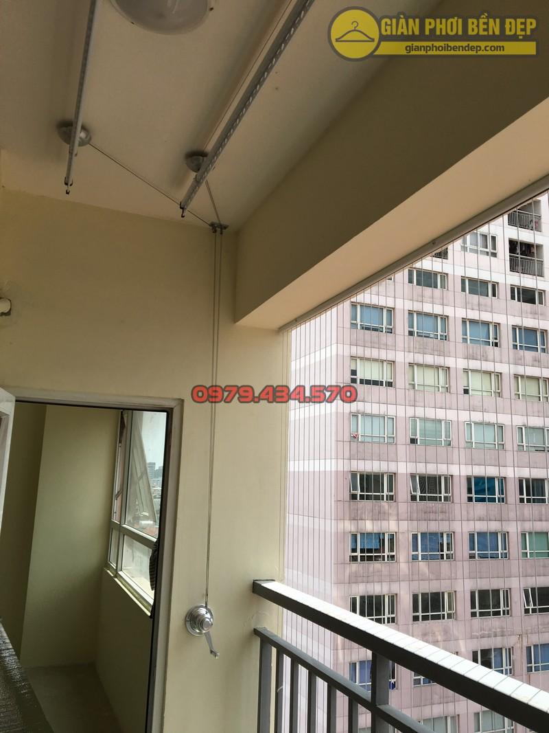 Lắp giàn phơi kết hợp lưới an toàn ban công nhà anh Hoàng KĐT Làng Quốc Tế Thăng Long-05