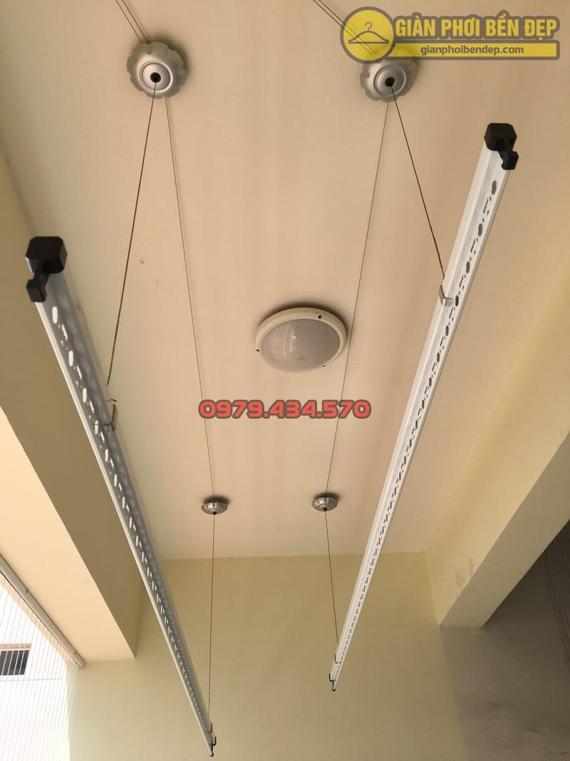 Lắp giàn phơi kết hợp lưới an toàn ban công nhà anh Hoàng KĐT Làng Quốc Tế Thăng Long-09