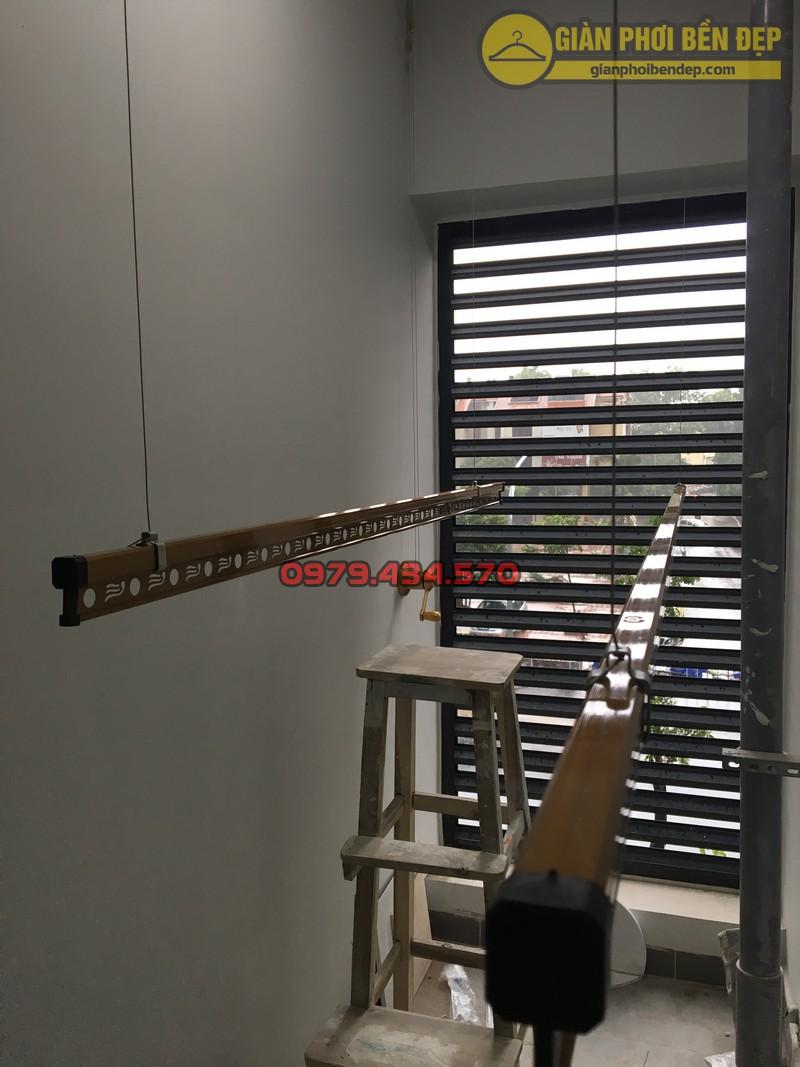 Lô gia sang trọng nhờ lắp bộ giàn phơi KS900 nhà chị Trà Trần Quý Kiên-02