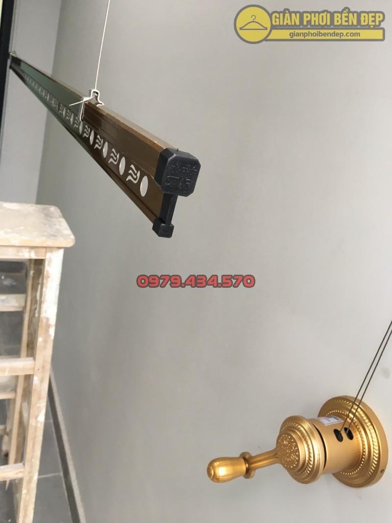 Lô gia sang trọng nhờ lắp bộ giàn phơi KS900 nhà chị Trà Trần Quý Kiên-05