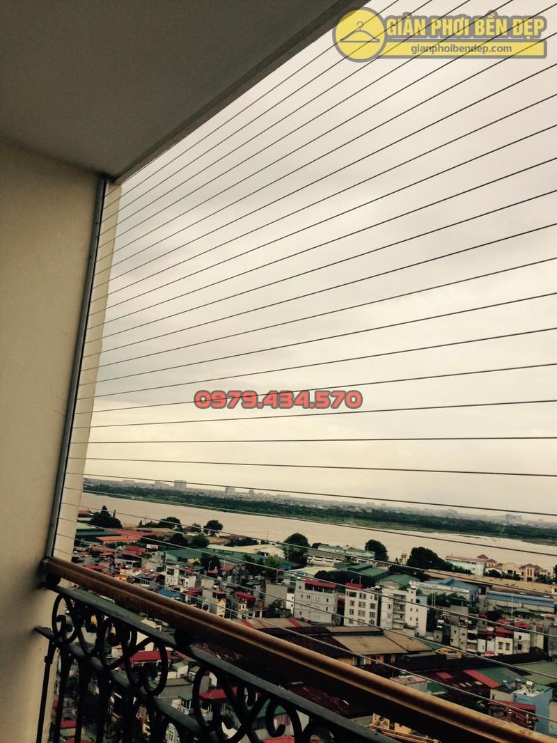 Lắp giàn phơi kết hợp lưới an toàn ban công nhà anh Quý tòa tháp A, chung cư Hòa Bình Green-07