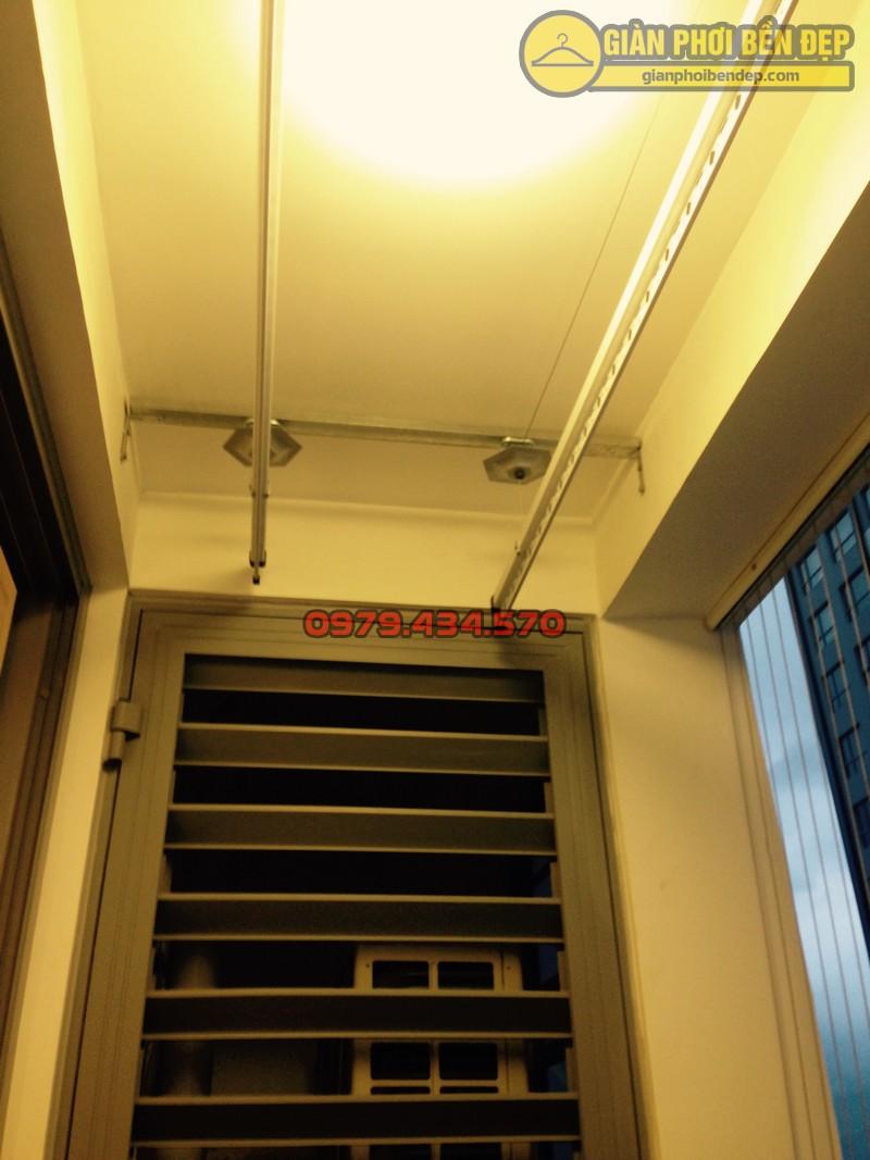 Ngắm giàn phơi thông minh kết hợp lưới an toàn ban công nhà chị Linh Park 3-02