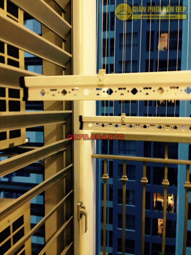 Ngắm giàn phơi thông minh kết hợp lưới an toàn ban công nhà chị Linh Park 3-04