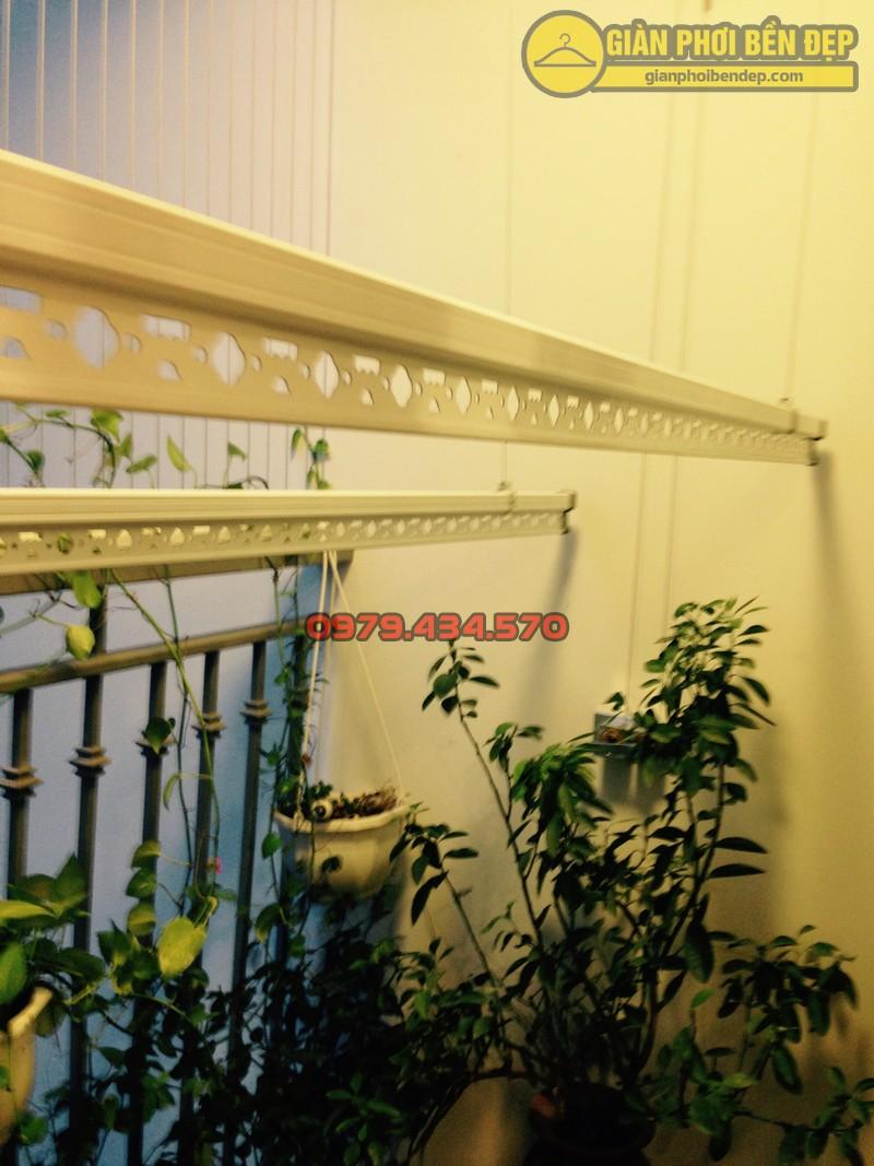 Ngắm giàn phơi thông minh kết hợp lưới an toàn ban công nhà chị Linh Park 3-05