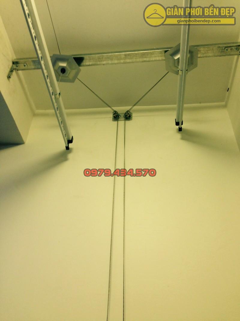 Ngắm giàn phơi thông minh kết hợp lưới an toàn ban công nhà chị Linh Park 3-06