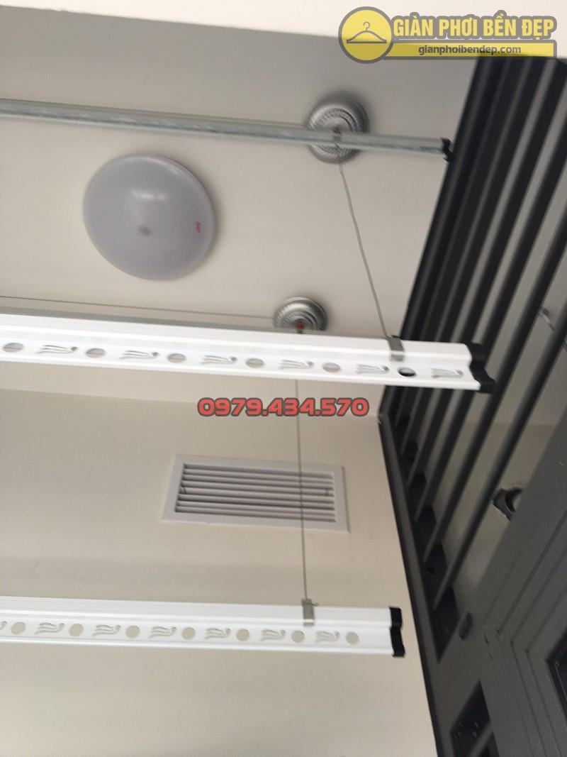Lắp đặt bộ giàn phơi thông minh cao cấp tại ban công nhà chị Hạnh, chung cư Five Star