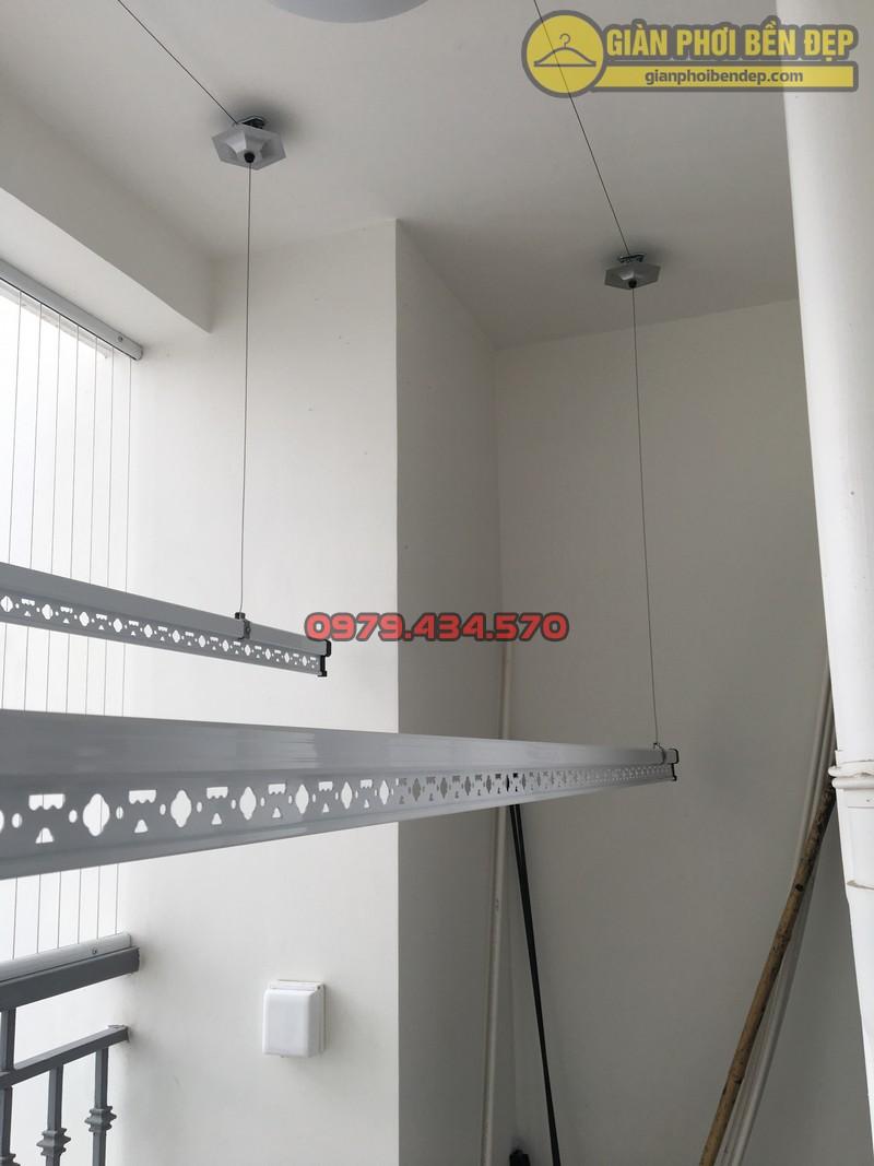 Lắp giàn phơi kết hợp lưới an toàn ban công nhà anh Tường Park 7-01