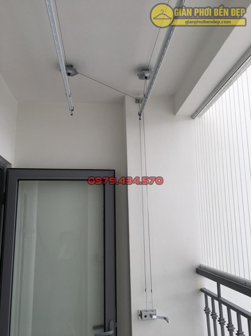 Lắp giàn phơi kết hợp lưới an toàn ban công nhà anh Tường Park 7-04