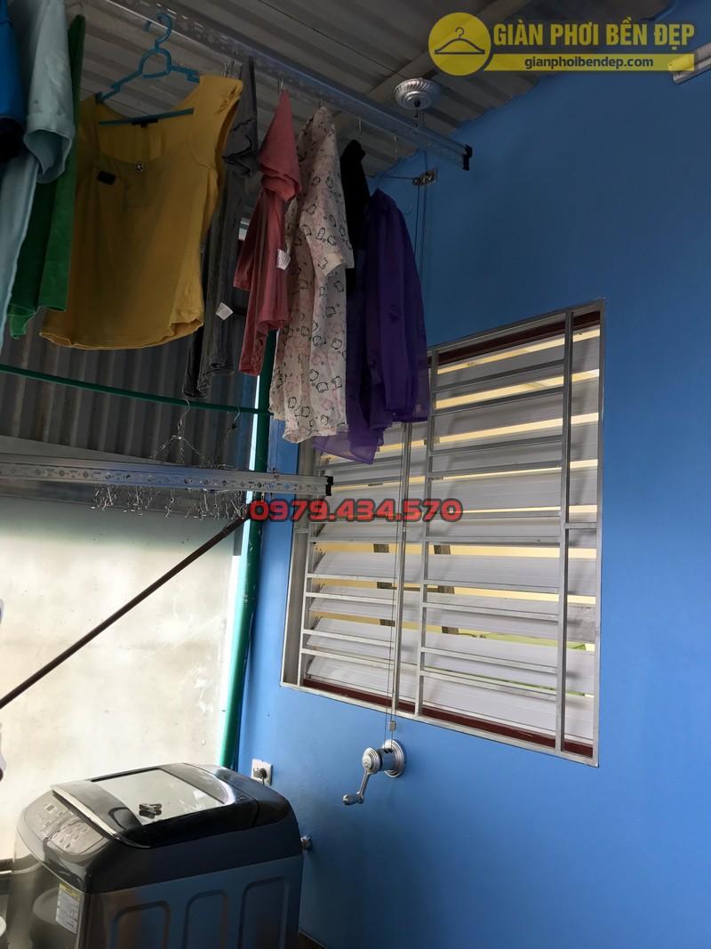 Lắp đặt giàn phơi thông minh cho trần mái tôn nhà chị Lan, Xuân Đỉnh-02